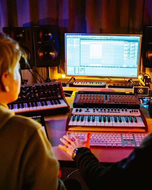 op-maat-producer-cursus-haarlemse-dj-producer-school_DSC1573