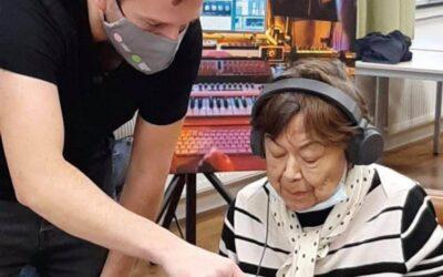 DJ Workshops voor ouderen